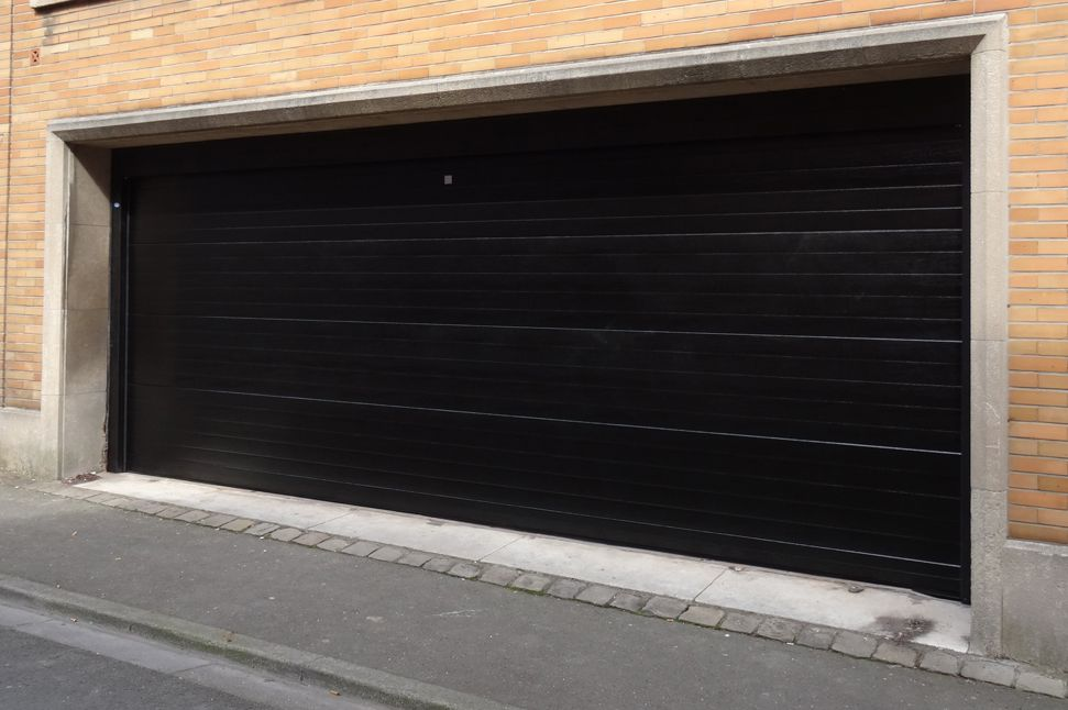 Porte De Garage Basculante Grande Dimension Idées De Travaux