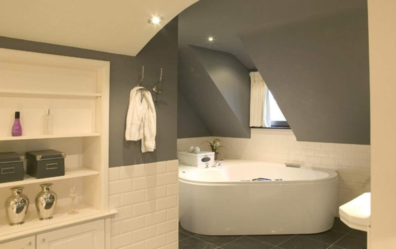 Peinture carrelage salle de bain idee id es de travaux - Comment peindre carrelage salle de bain ...