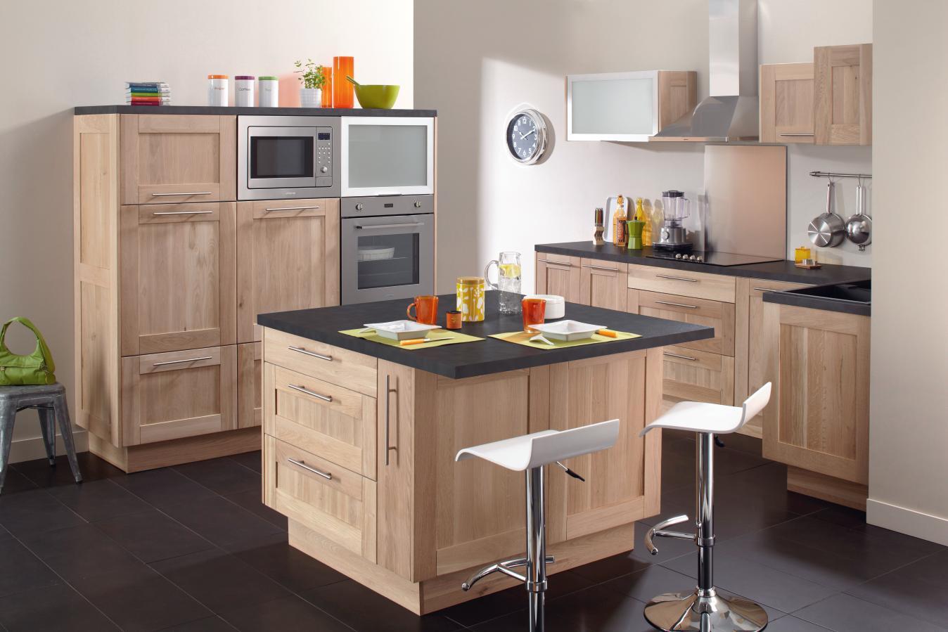 Peinture cuisine avec meuble chene id es de travaux - Couleur mur cuisine ...