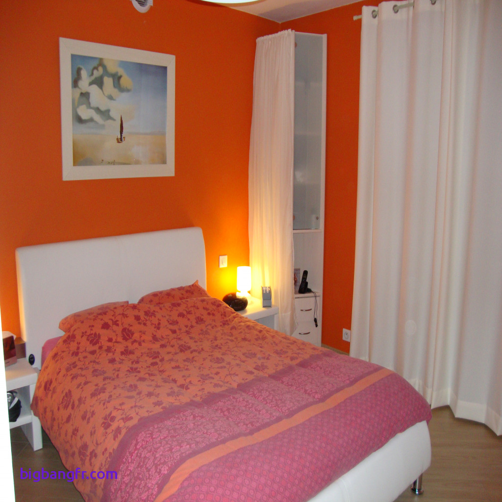 deco chambre peinture orange id es de travaux. Black Bedroom Furniture Sets. Home Design Ideas