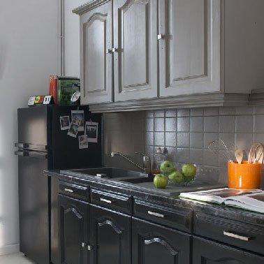 Peinture gris anthracite pour meuble de cuisine - Idées de travaux