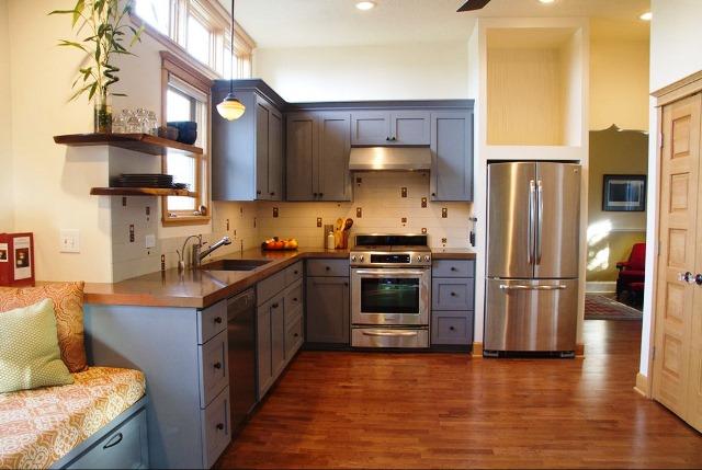 Peinture armoire cuisine en bois id es de travaux - Peinture d armoire de cuisine ...