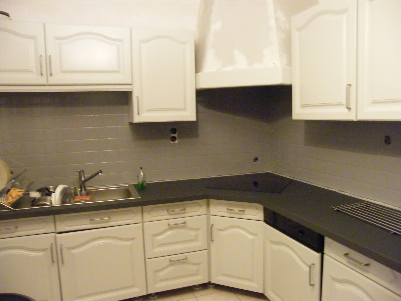 comment repeindre cuisine bois id es de travaux. Black Bedroom Furniture Sets. Home Design Ideas