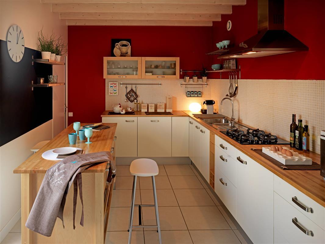 Quelle peinture pour table de cuisine en bois - Idées de travaux