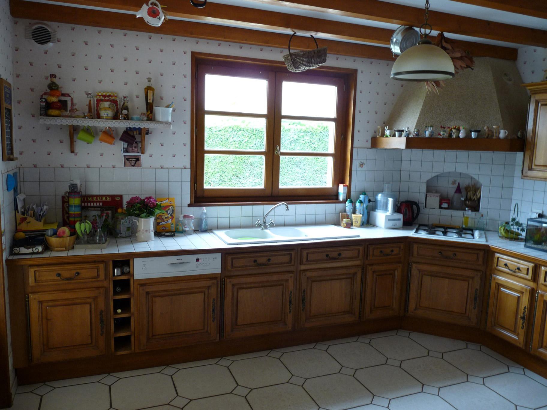 Peindre une cuisine en bois ch ne id es de travaux - Comment peindre une cuisine en bois ...