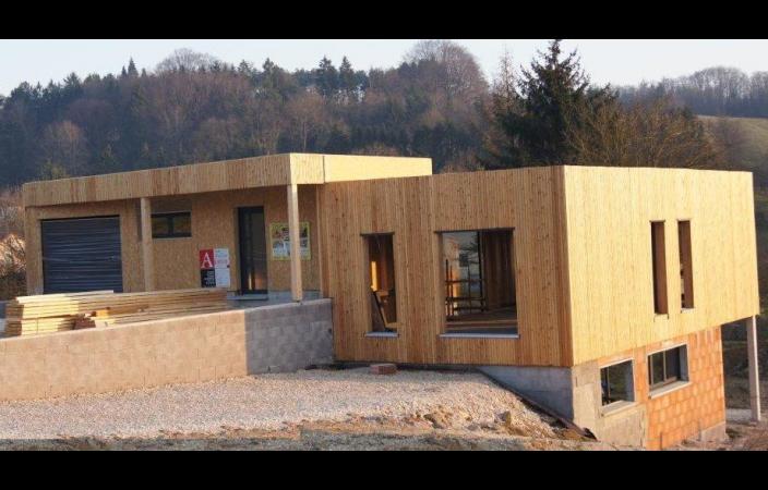 plan de maison ossature bois avec garage id es de travaux. Black Bedroom Furniture Sets. Home Design Ideas