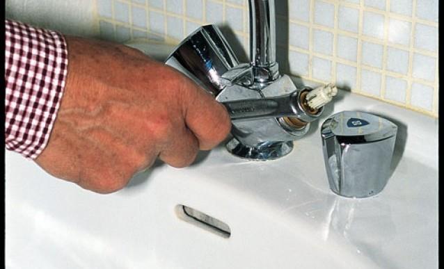 Changer joint robinet evier id es de travaux - Changer mitigeur cuisine ...